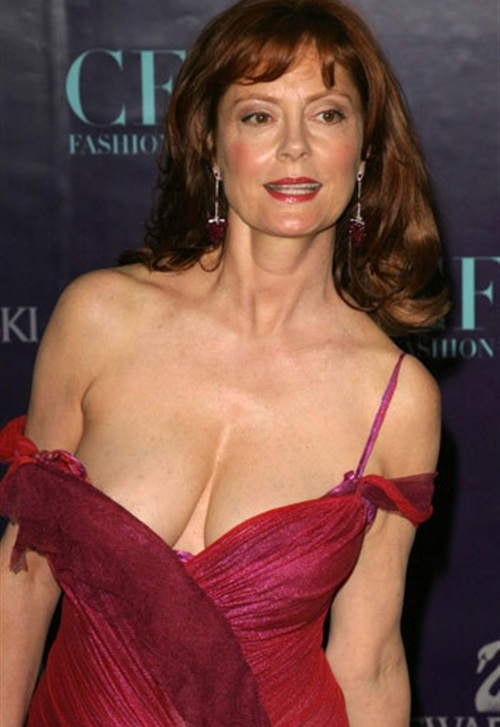 susan-sarandon-breasts